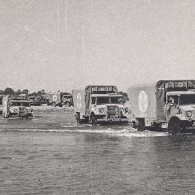 Attraversamento di un fiume. Birmania, Primavera 1945