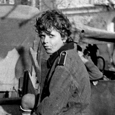 Con l'uniforme del padre morto. Italia, San Vito, Gennaio 1944